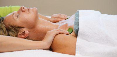Körperbehandlung mit Aloe Vera